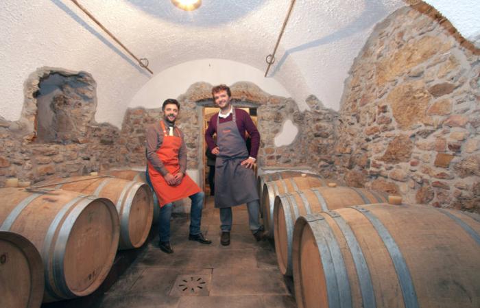 Agritur Cobei. Bed&Break wine 8