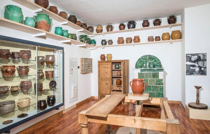 Museo degli Usi e Costumi della Gente Trentina. Ceramica